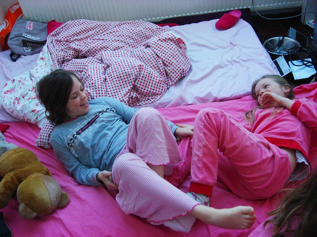 Comment organiser une soirée pyjama ?