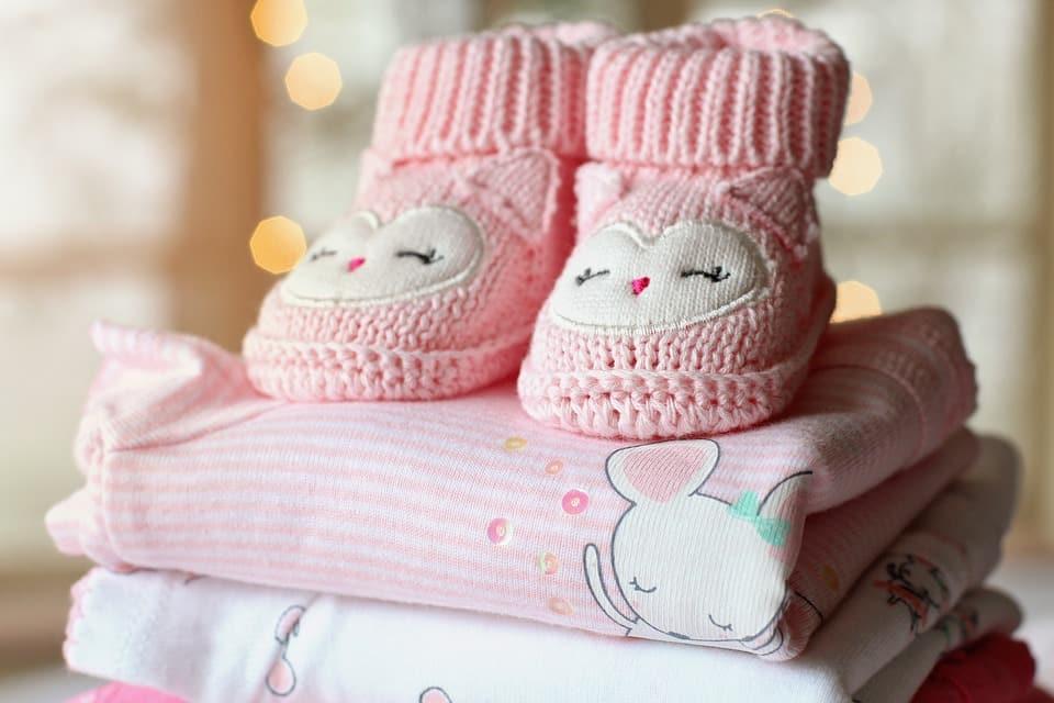 Les mentions obligatoires sur les étiquettes des vêtements pour enfants