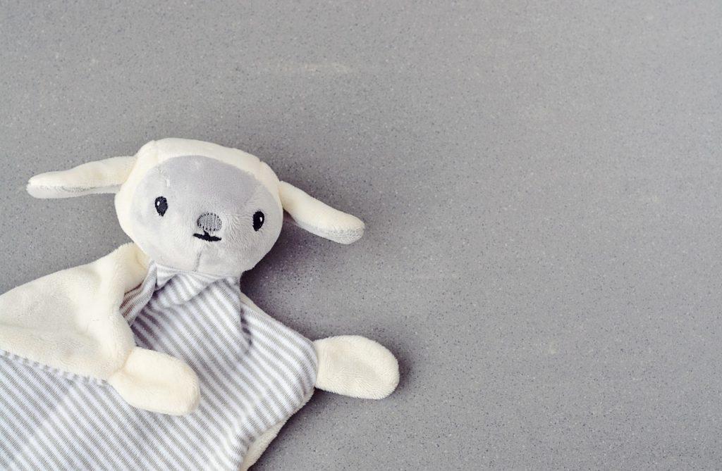 Astuces pour créer un doudou personnalisé pour bébé