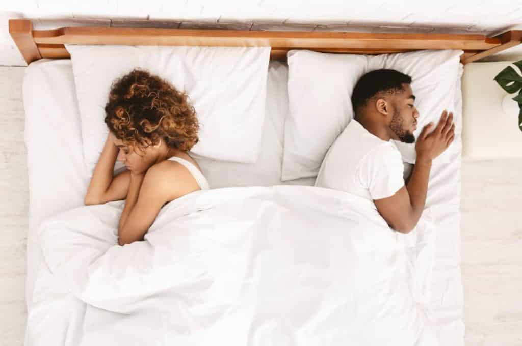 Dormir en couple, pas si facile ?