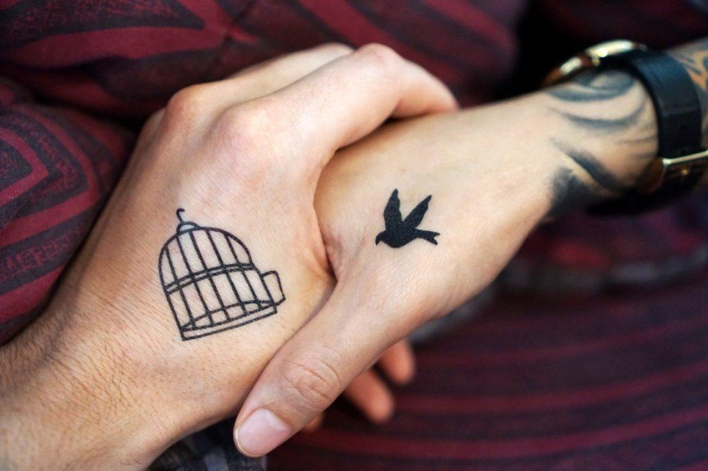Le tatouage éphémère de longue durée : jusqu'à 1 an!